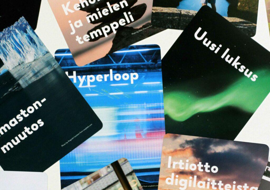 Kuvassa Trendikortteja, jotka auttavat ideoimaan tulevaisuuden matkailupalveluja
