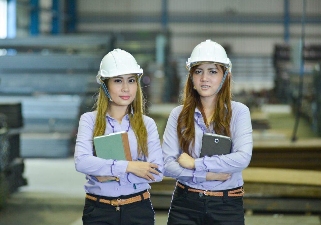 people_staff_construction_labor_woman_engineer_helmet-794937.jpg!d