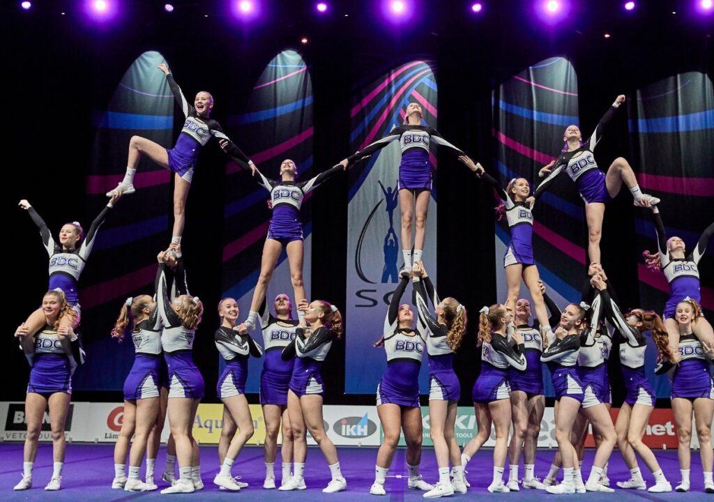 Kuvituskuva Black diamond cheerleading joukkueesta