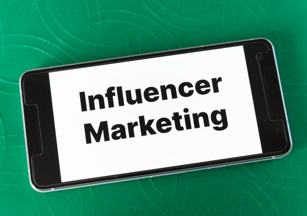 influencer-marketing-instagram-business-sponsoring-sponsored-1611994-pxhere.com (1)